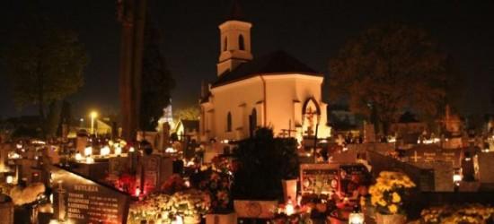 Na ratowanie zabytków starego cmentarza zebrano 12 tysięcy zł (ZDJĘCIA)
