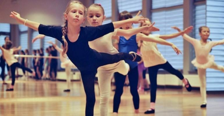 JDK: Blisko 60 dzieci uczęszcza na zajęcia baletowe (ZDJĘCIA)