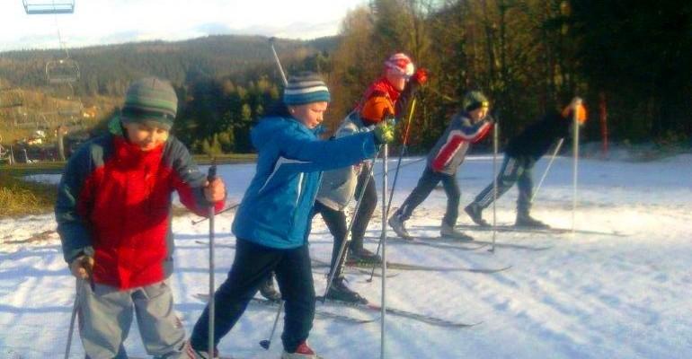 Aktywne ferie? Przyjdź na trening narciarstwa biegowego