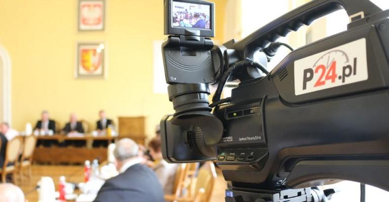 SESJA / RETRANSMISJA: O szkołach, przedszkolach, gospodarce odpadami i planowanych inwestycjach. Sesja Rady Miasta Krosna