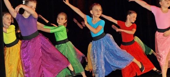 Taneczne show w wykonaniu grup tańca MDK (ZDJĘCIA)