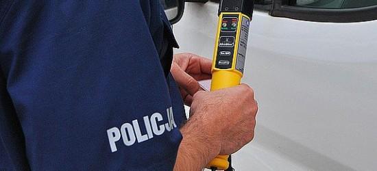 Pijany kierowca bez uprawnień prowadził samochód niedopuszczony do ruchu