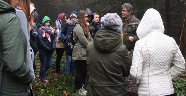 Martwe drewno i jego rola w przyrodzie podczas IX Konferencji Ekologicznej w MDK w Jaśle (ZDJĘCIA)