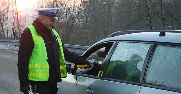 (Nie)trzeźwy poranek. Jasielscy policjanci skontrolowani ponad 700 pojazdów (FILM, ZDJĘCIA)