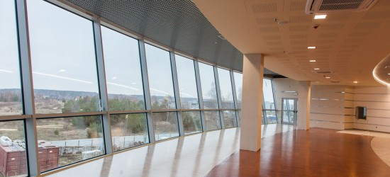 """,,Wygląda imponująco"""". Budowa Centrum Wystawienniczo-Kongresowego na finiszu (ZDJĘCIA)"""