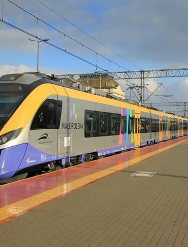 Nowoczesnym pociągiem z Jasła do Krakowa (ZDJĘCIA)