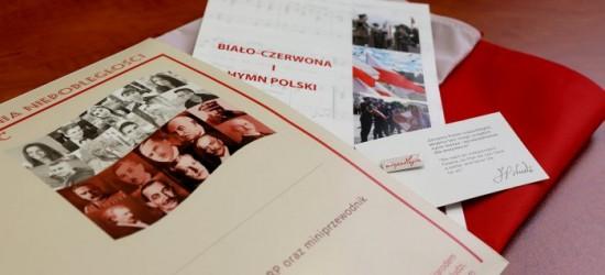 Pakiet na 100-lecie odzyskania niepodległości dla 18-latków, którzy pierwszy raz otrzymają paszport